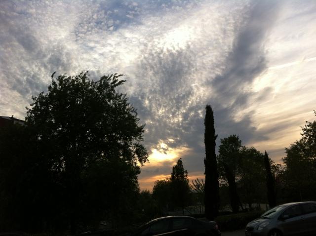 Nubes, puesta de sol